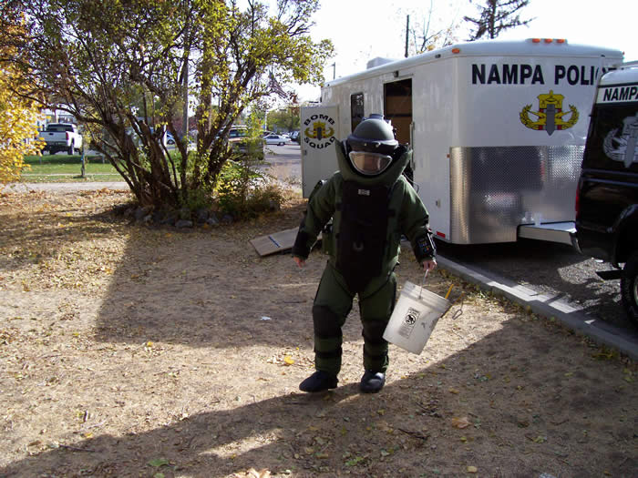 Photo of bomb unit training